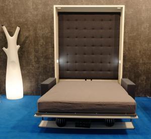 Click V Sofa 3